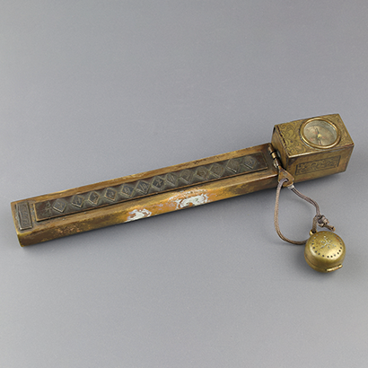 Pillar Clock-Shaped Yatate and Netsuke Sundial